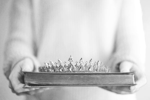 FREE DEVOTIONAL: CROWNED