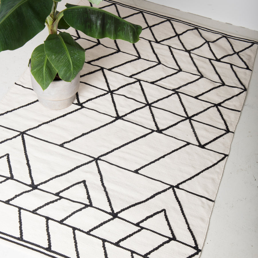 Rug Woven - White/Black - Urban Nature Culture