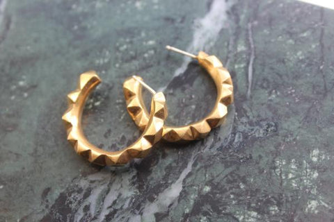 Gold oscillate hoops - EMBR jewellery