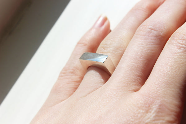 Silver edge ring - EMBR jewellery
