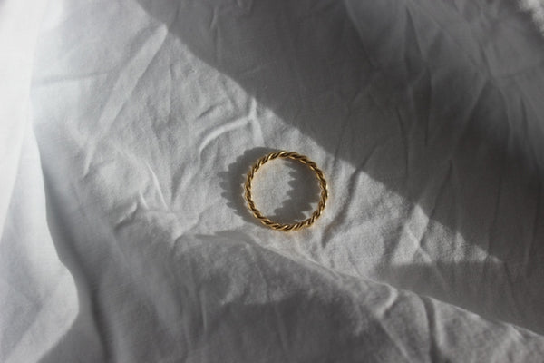 9ct gold half light ring (1.5mm) - EMBR jewellery