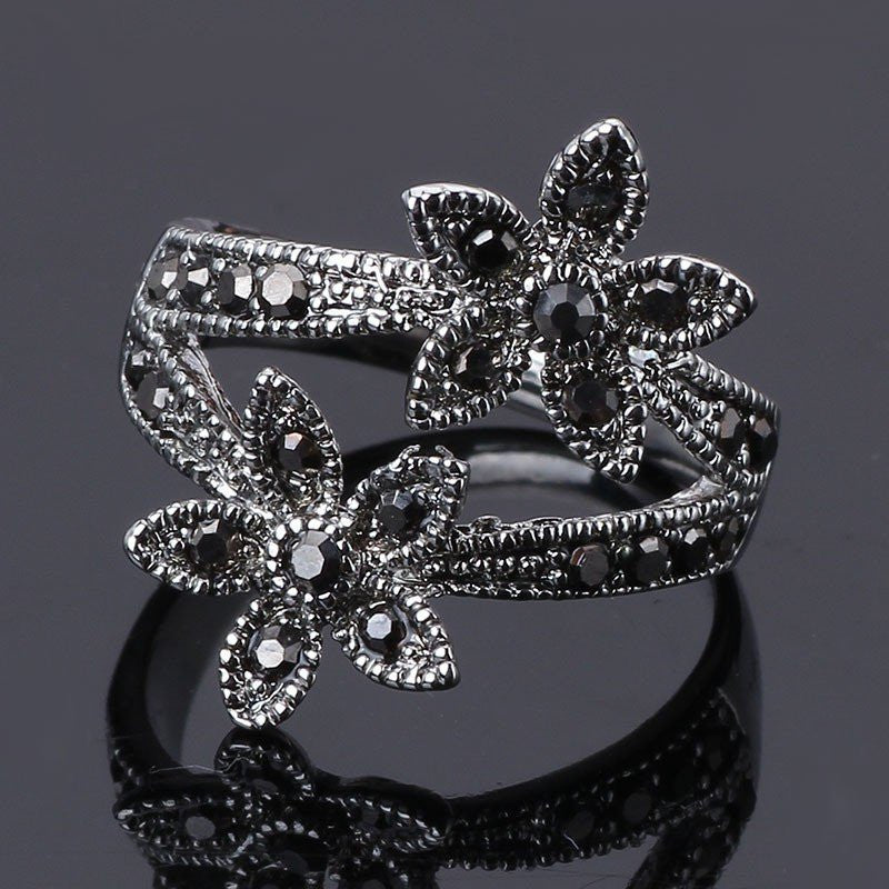 Black Rhinestone Flower Ring