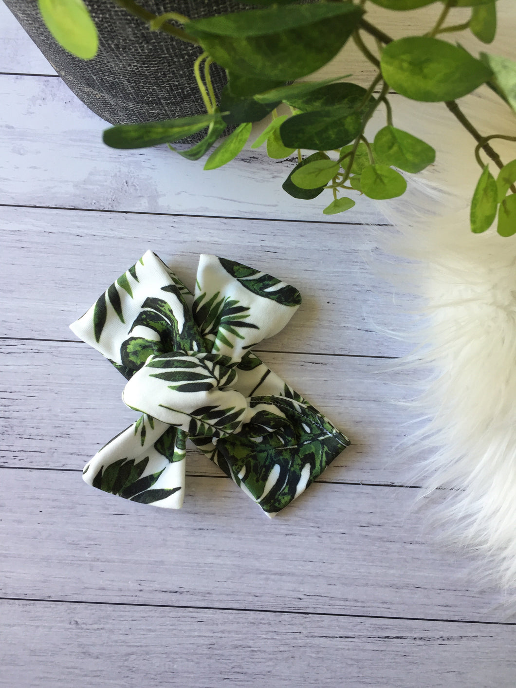 Tropical Leaves Topknot