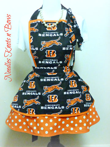 Cincinnati Bengals Womens Apron, Womens Flirty Style Bengals Football Apron, Game Day, Tailgating, Sports Team Apron, Gifts for Her
