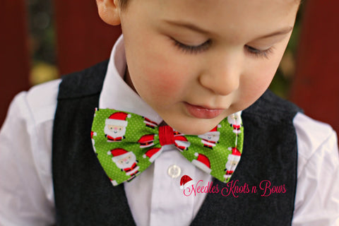 Santa Bow Tie, Christmas Bowtie, Santa on Green Bow Tie, Bowties