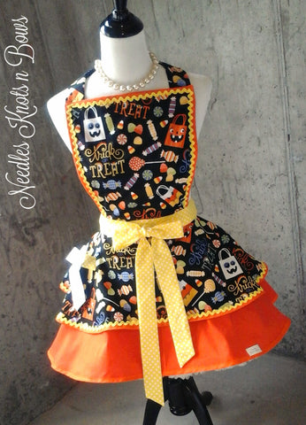 Trick or Treat Halloween Womens Apron, Womens Aprons, Womens Halloween Apron, Hostess, Flirty
