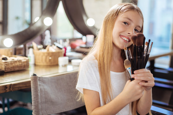Simple Tween Makeup Tips You Can Give Your Daughter