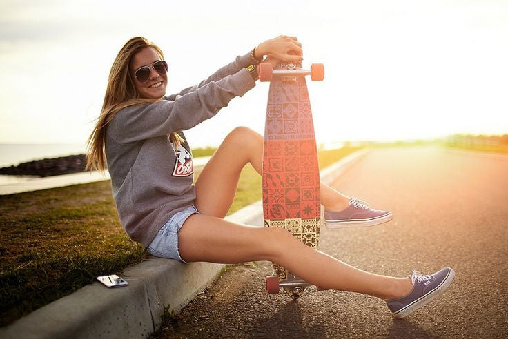 A GIRL'S GUIDE TO LEARNING HOW TO LONGBOARD