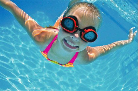 SAFETY TIPS FOR BEGINNER SWIMMERS