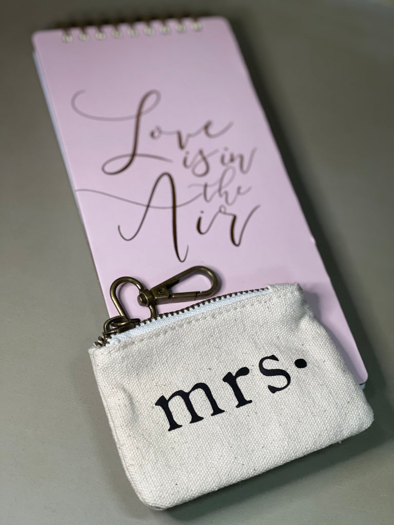 Love is in the Air Wedding Pouch