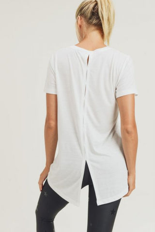 Athleisure Shirt with Vented Hi-Lo Back in Ivory