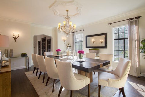wrong-size-area-rug-under-dining-room-table