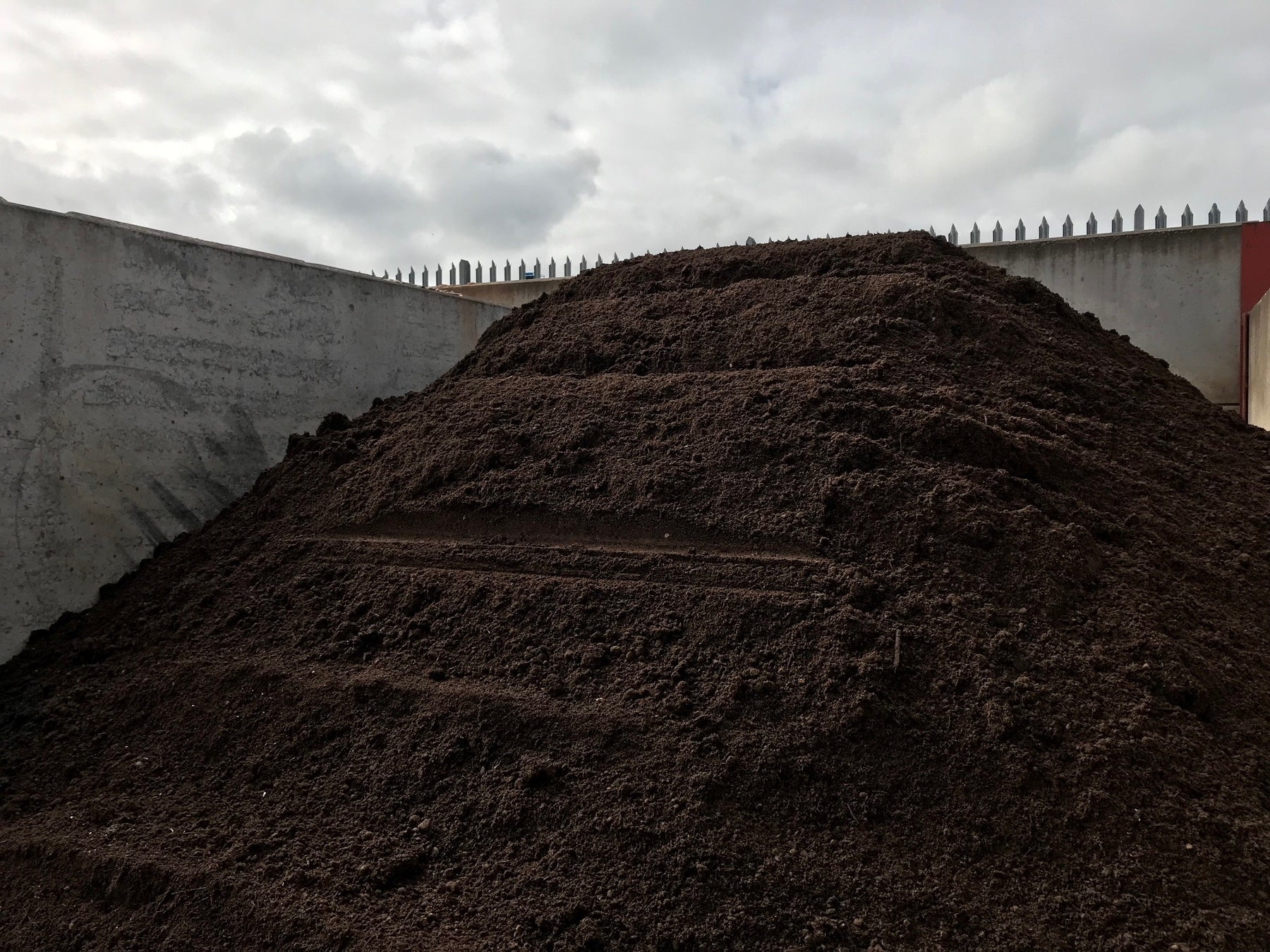 H&B Expanding their range to accredited top soil
