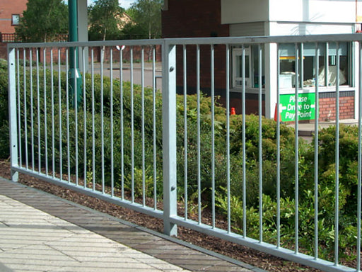 500mm Pedestrian guardrail M35 no sight gap