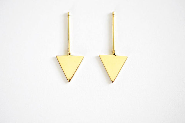 14k Gold Arrow Stud
