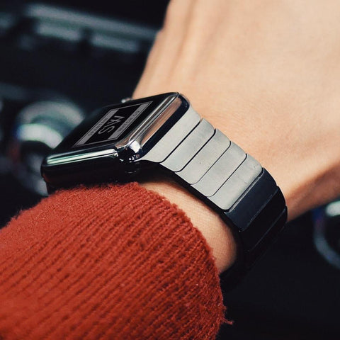 How Much Does an Apple Watch Band Weigh?