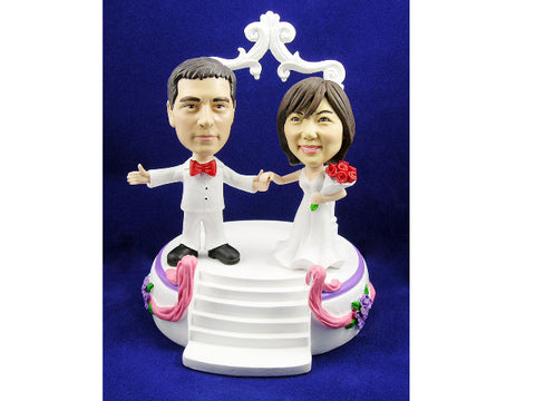 Bobblehead Newlyweds On Stage