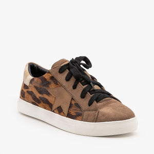 Stroll With It Snakeskin Sneaker - Leopard