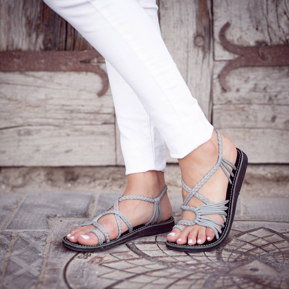 Palm Leaf Flat Summer Sandals - Urban Gray