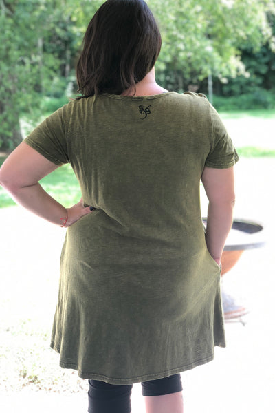 BOUTIQUE Plus sized Stay Weird shirt dress