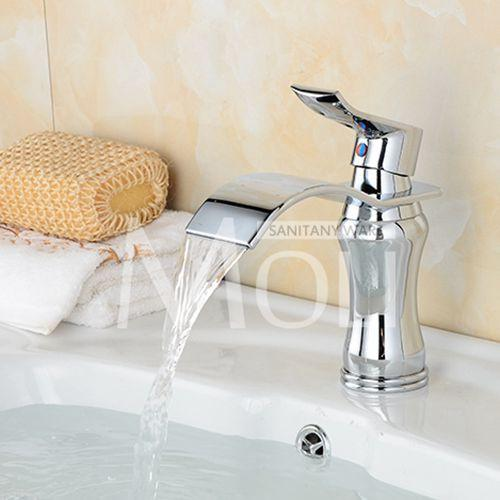 $83.70- Arrival Bathroom White Faucet Deck Mounted Cold Hot Water Tap Solid Brass White Painted Sink Faucets Mixer