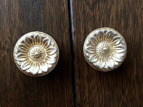 Shabby Chic Dresser Pull Drawer Pulls Door Handles Antique Gold French Country Vintage Furniture Cabinet Knobs Pull Hardware