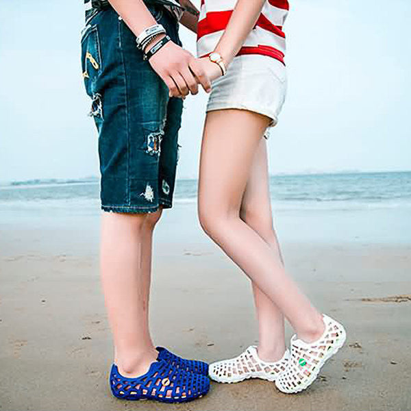 CLEARANCE-Breathable Hollow Out Pure Color Flat Casual Beach Sandals - MagCloset