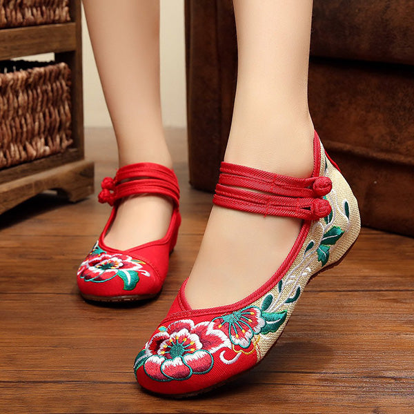 c834c474422e69 ... CLEARANCE-Women Comfy Floral Embroidery Chinese Knot National Wind Lace  Up Flat Shoes - MagCloset ...