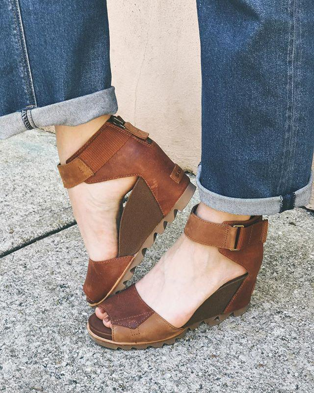 Large Size Back Zipper Wedge Sandals
