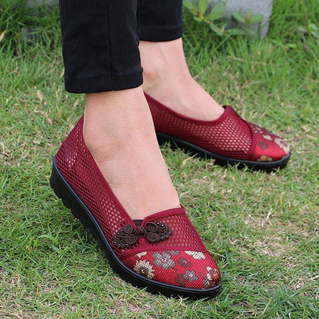 Flower Chineseknot Vintage Retro Mesh Breathable Slip On Flat Shoes - MagCloset