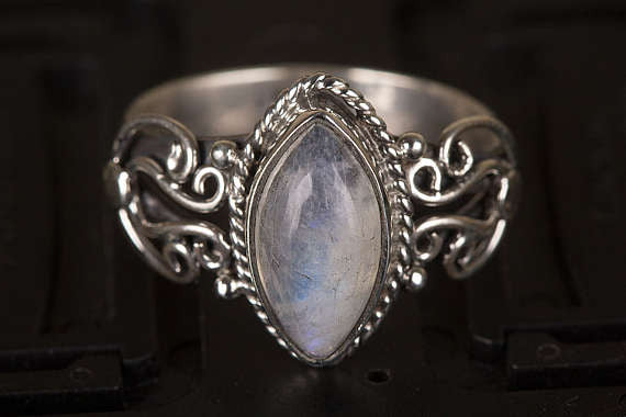 Moonstone Ring, Rainbow Moonstone Ring , Pure 925 Silver Ring, Healing Ring, Boho Ring, Blue Flash Moonstone Ring, Statement Mermaid Ring