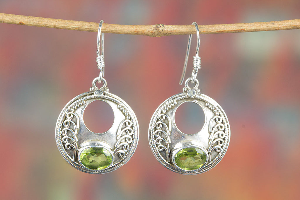 Faceted Peridot Gemstone 925 Silver Earring