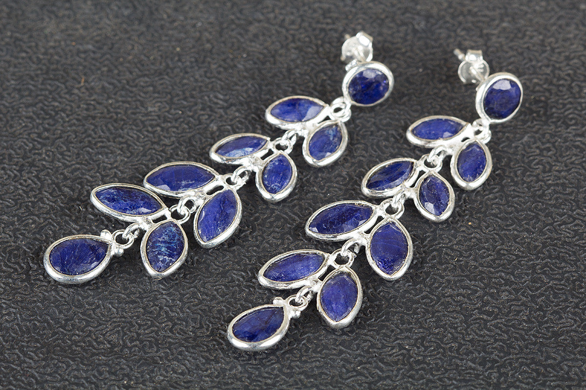 sri o ct untitled pear ceylon clusters gem antique by and of copy lankan is beautiful origin products sapphire surrounded diamond natural rare the shaped unheated pendant