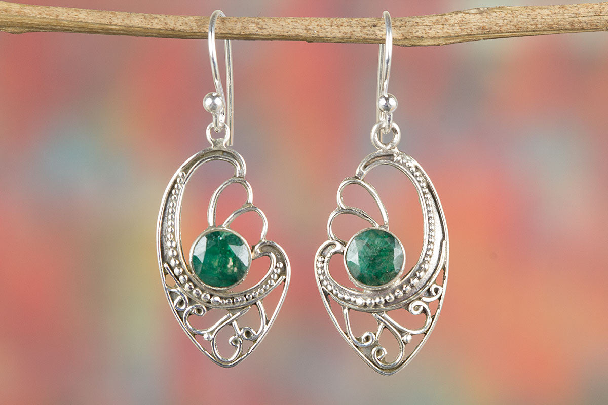 Amazing Emerald Gemstone Silver Earring