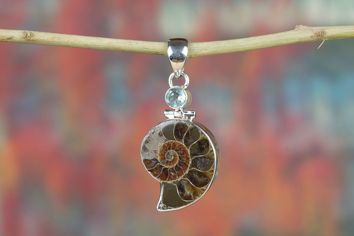 Wonderful Ammonite Gemstone & Pure 925 Sterling Silver Pendant