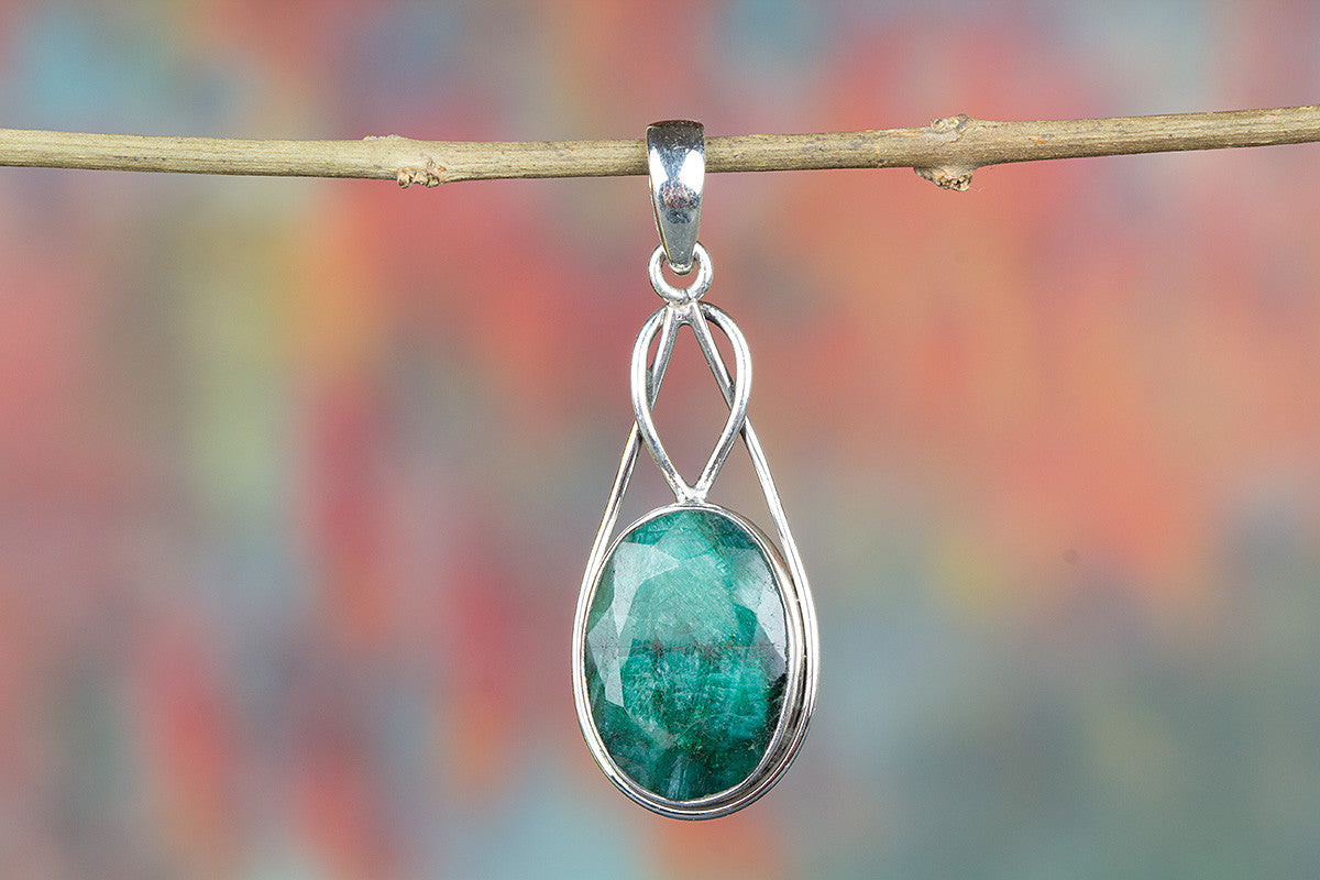 Amazing Emerald Gemstone & Pure 925 Sterling Silver Pendant