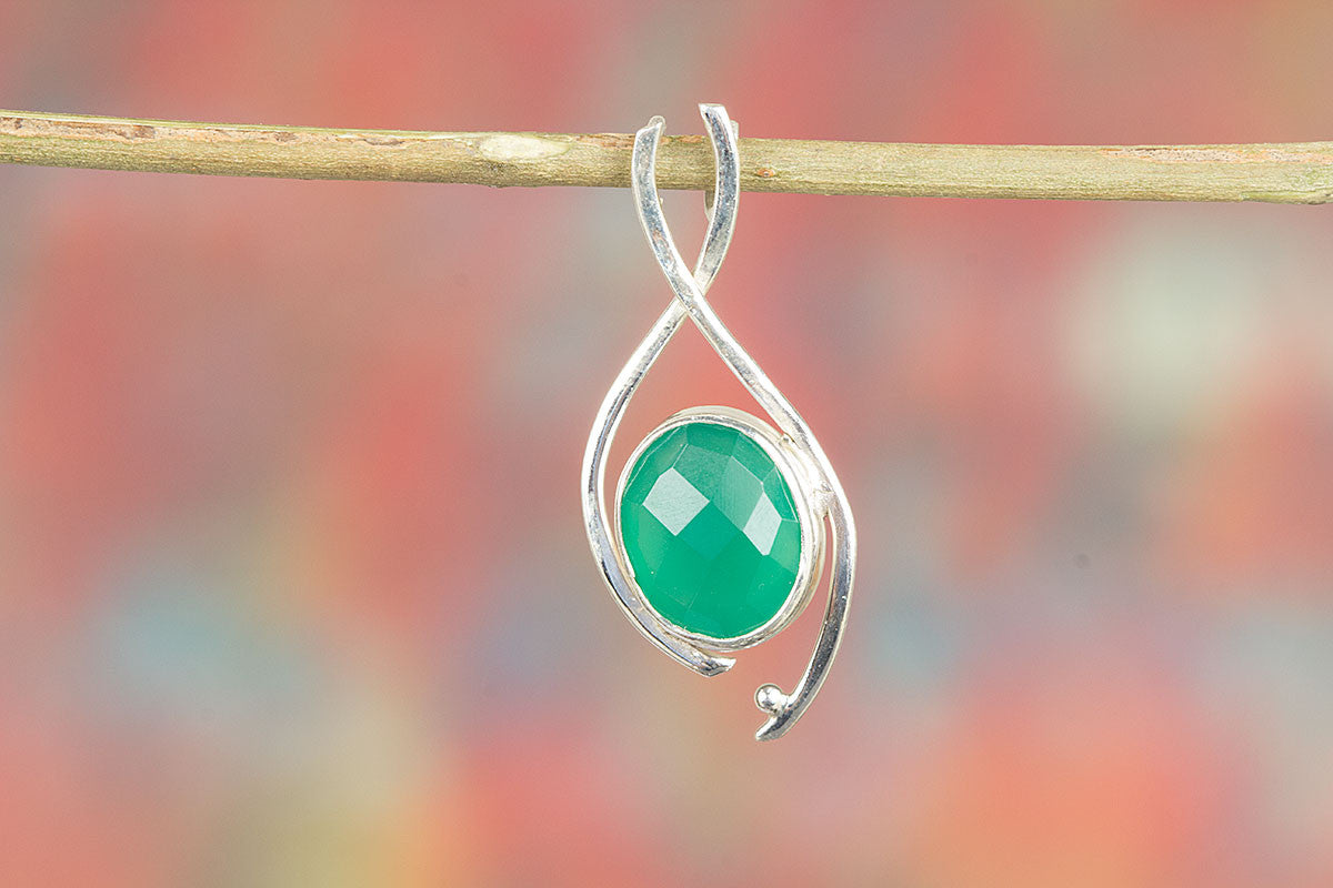 Pure Handmade Faceted Green Onyx Gemstone 925 Silver Pendant