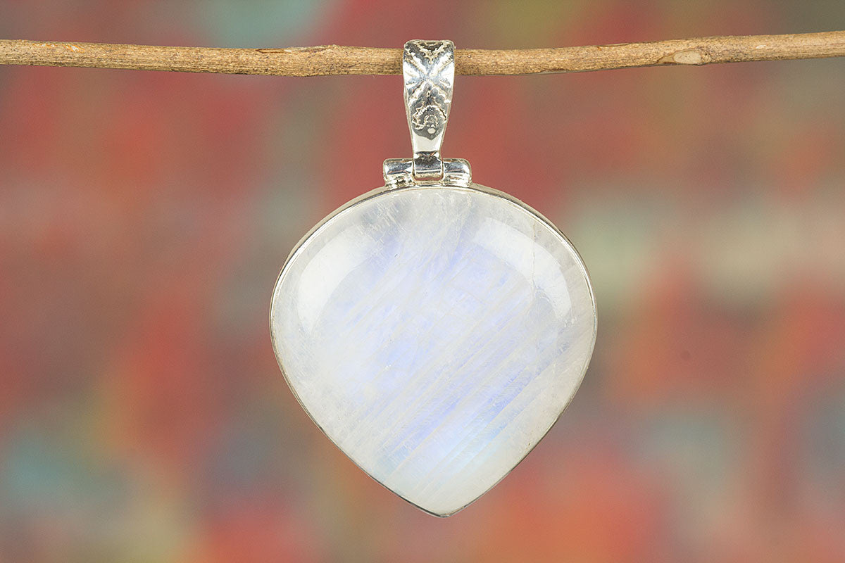 Heart Shape Rainbow Moonstone Gemstone 925 Silver Pendant
