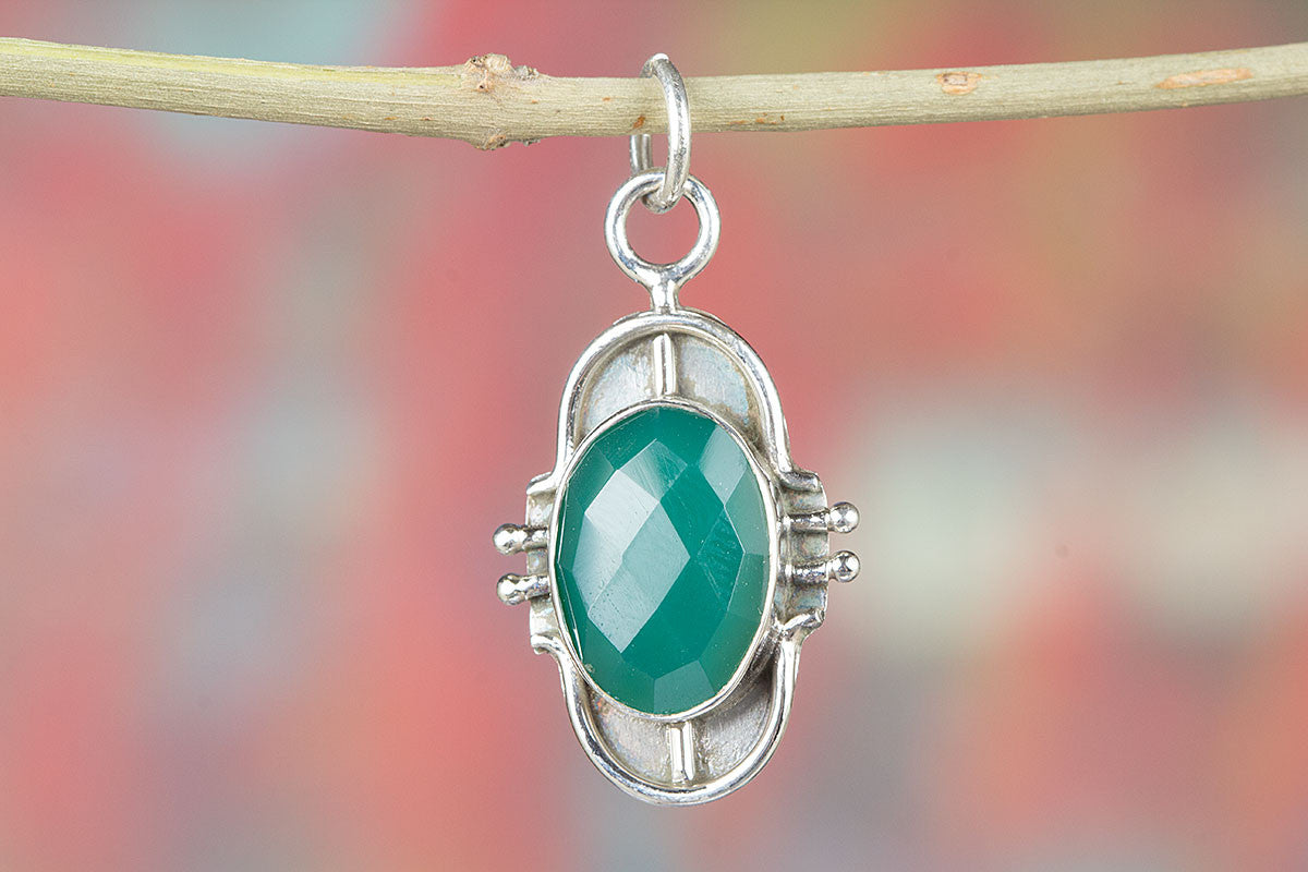 Amazing 925 Sterling Silver Faceted Green Onyx Pendant