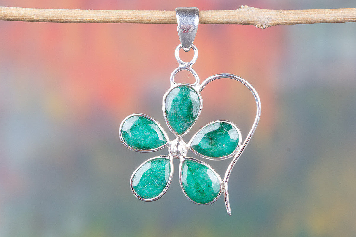 Flower Shape Green Emerald Gemstone 925 Silver Pendant