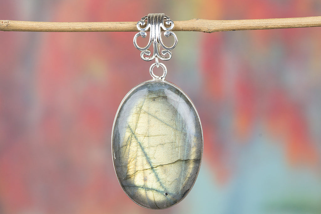 Beautiful Labradorite Gemstone Pendant Moonstone Jewelry
