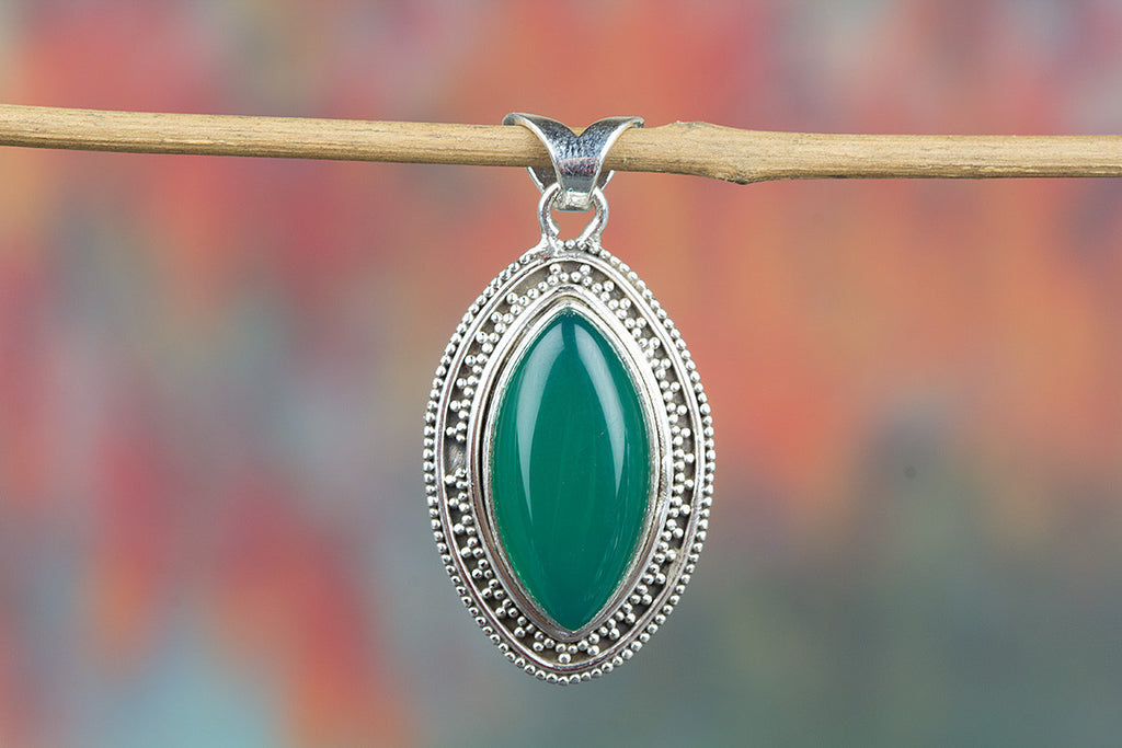 Charming Green Onyx Gemstone 925 Silver Pendant