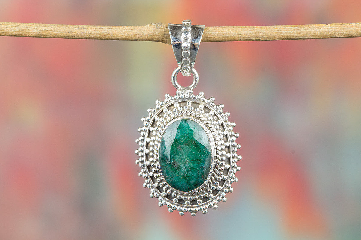 Sunflower Shape Emerald Gemstone 925 Silver Pendant Green Jewelry