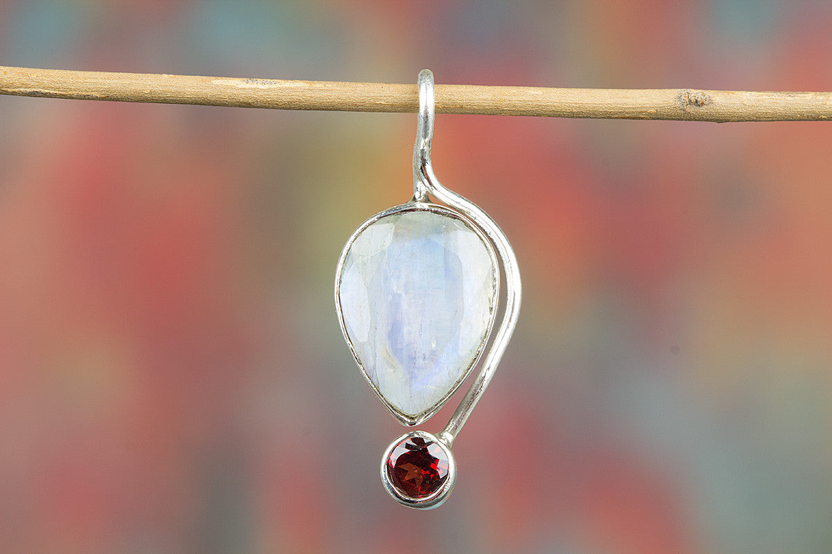Amazing Faceted Rainbow Moonstone Gemstone Sterling Silver Pendant