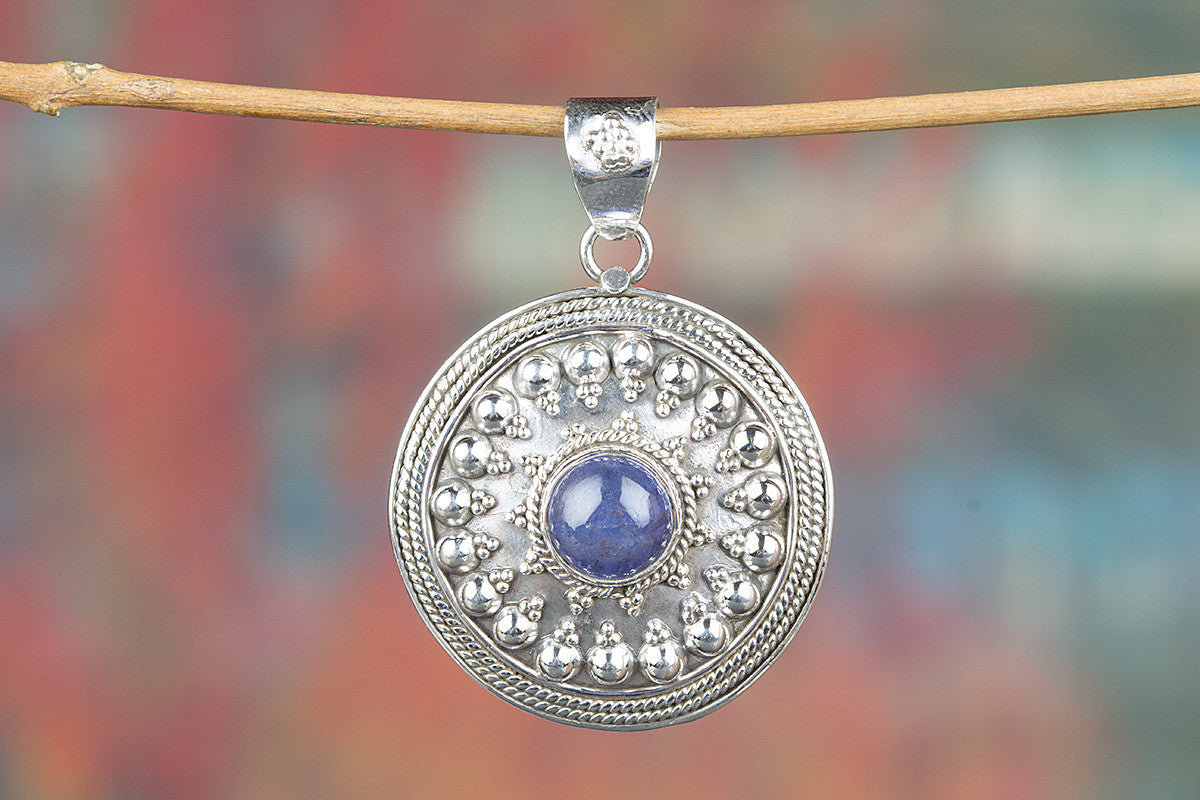 Round Shape Tanzanite emeston 925 Silver Pendant
