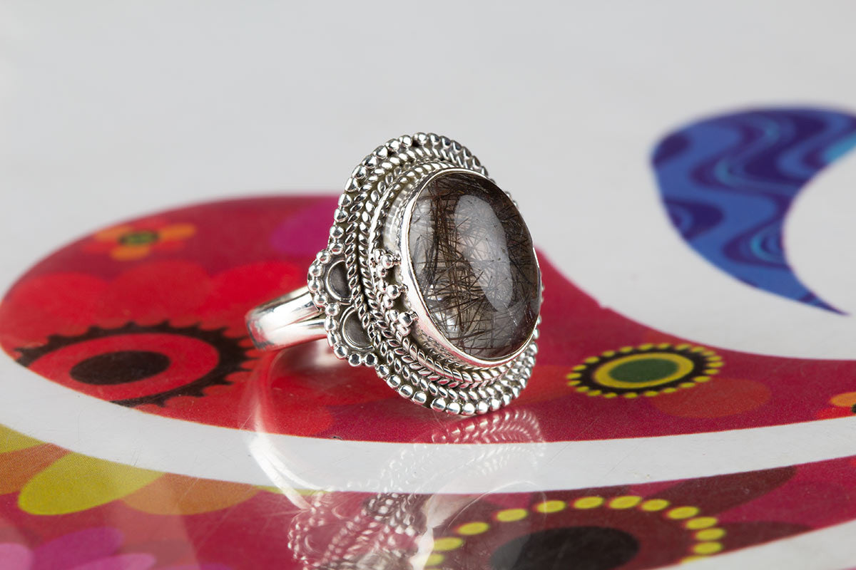 Lovely 925 Sterling Silver Black Rutil Gemstone Ring