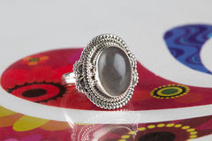 Amazing 925 Sterling Silver Labradorite Gemstone Ring