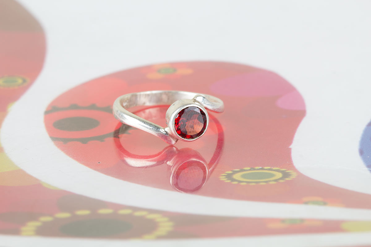 Amazing Handmade Faceted Garnet Gemstone 925 Silver Ring All Size
