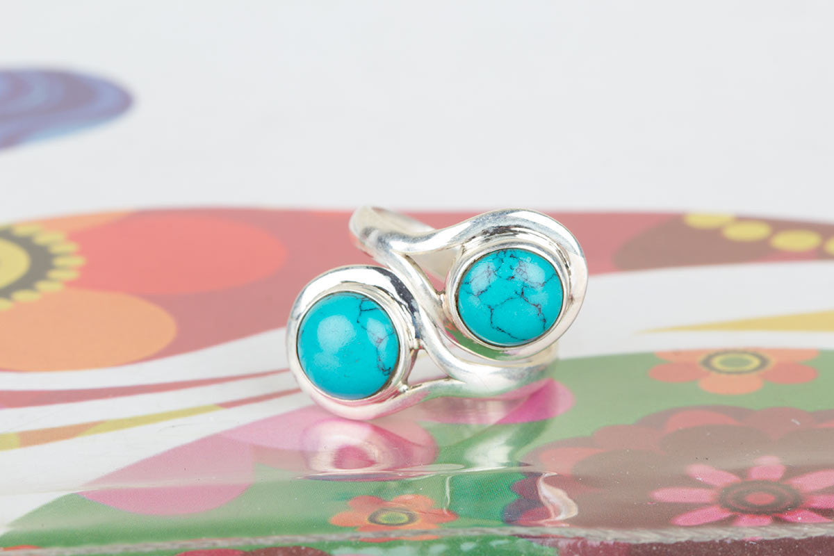 Bargain Sterling Silver Ring With Turquoise Gemstone