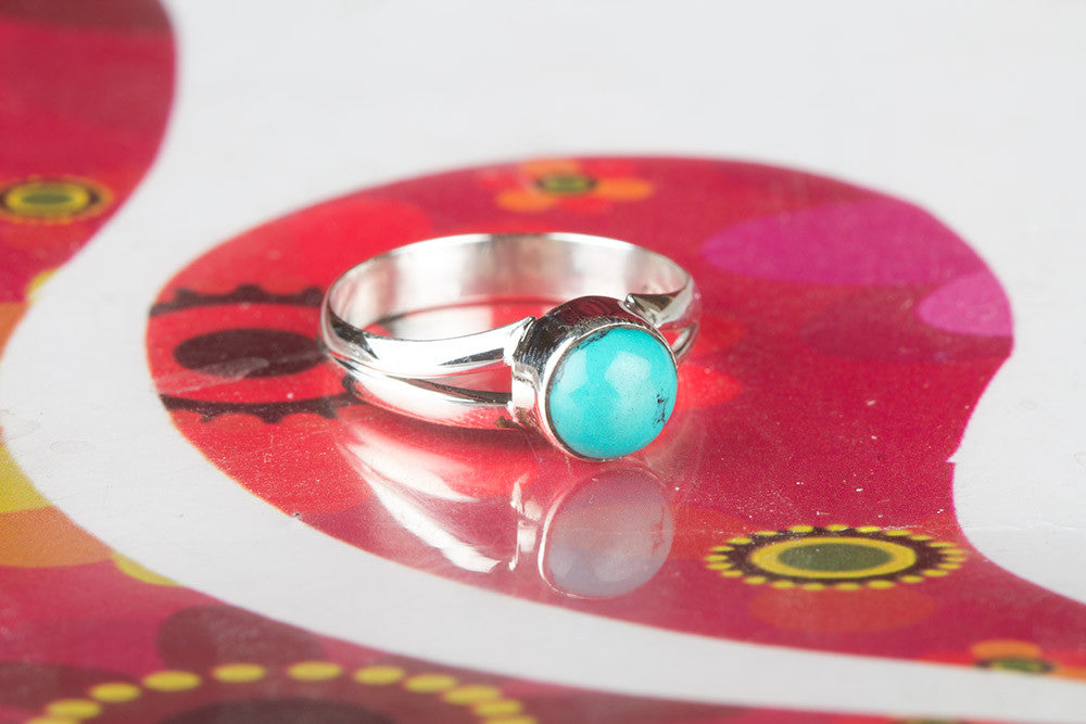 Beautiful Turquoise Gemstone Silver Ring